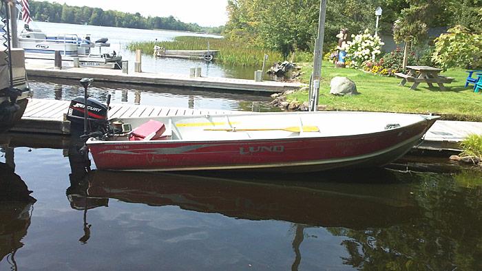 Hayward wisconsin boat rentals fishing boats pontoons for Wisconsin fishing resorts with boat rentals